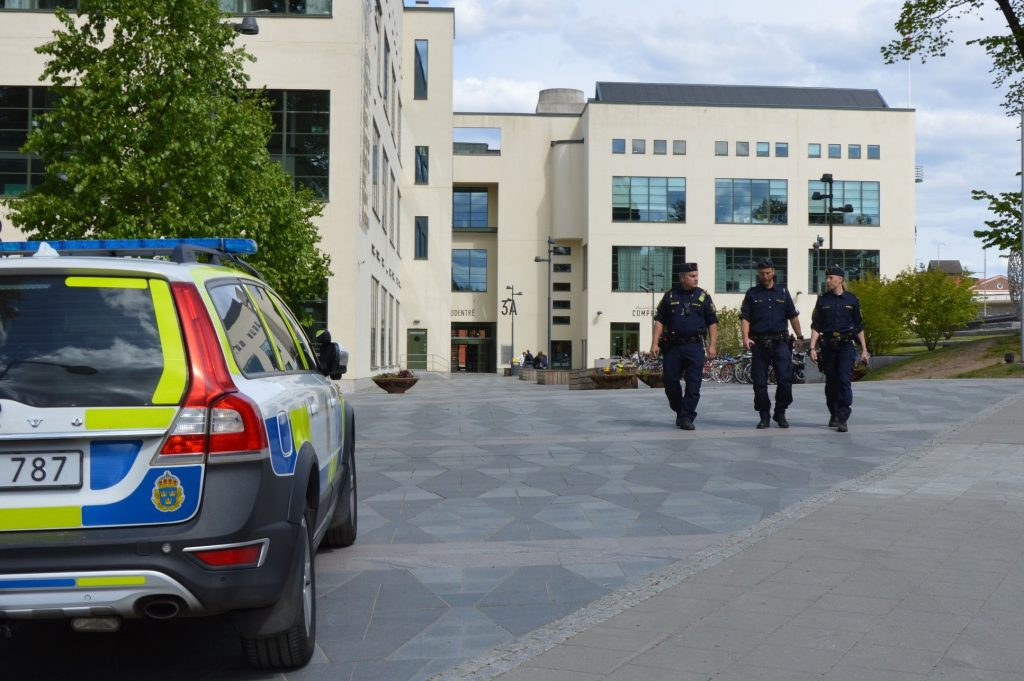 Swedish Police Renew Agreement with Swedish Radio Supply for TETRA Vehicle Terminals